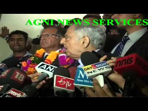 SRINAGAR .. MUFTI MOHAMMED SAYEED MEETS THE PRESS