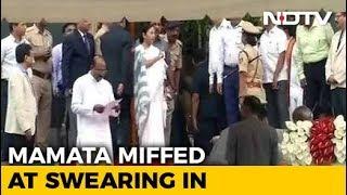 Caught On Camera: At Kumaraswamy Oath, Why Mamata Banerjee Was Unhappy - NDTV