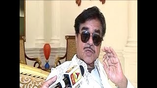 Shatrughan Sinha extends support for wife's campaign - ABPNEWSTV