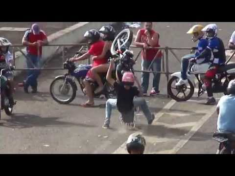 AUTO GIRO 2014 Manobras Motos Freestyle Wheeling Empinando Grau Autodromo De Campo Grande Ms