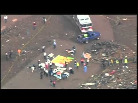 Raw: Rescue Workers Search Oklahoma School