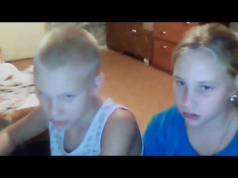 брат трахнул сестру в душе видео