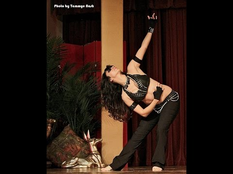 Jennifer Belly Dancing at Yaa Halla Y'all 2014 | Hop Hop by Tarkan