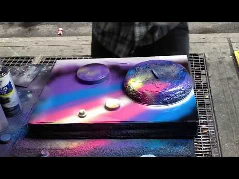 NY Street Artist Makes Masterpiece Using Spray Cans