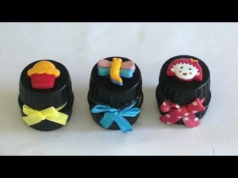 Potinhos feitos com tampas de garrafa pet