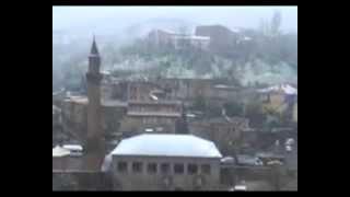 Bitlis'te Nisan Ayında Lapa Lapa Kar Yağdı