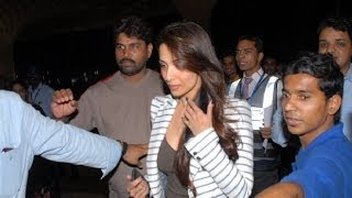 Bollywood stars head for IIFA - IANS India Videos - IANSINDIA