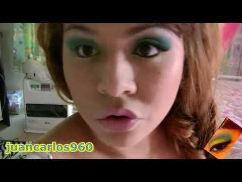 maquillaje en verde azul y amarillo