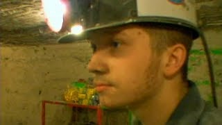 A Hidden America: Children of the Mountains – Young coal mine workers (2009) - ABCNEWS