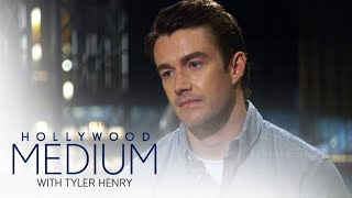 Tyler Henry Gives Robert Buckley's Father a Message | Hollywood Medium with Tyler Henry | E! - EENTERTAINMENT