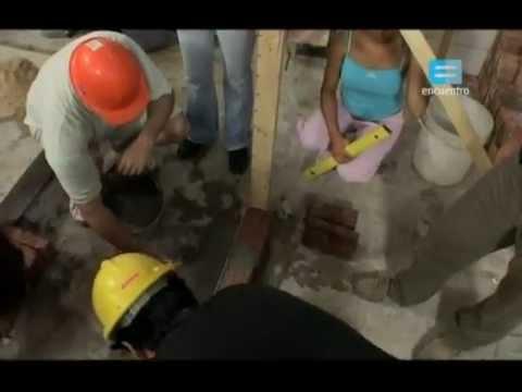 TuAlbañil.com - Como construir paredes de ladrillo - Curso de Albañilería (Fuente: Canal Encuentro)