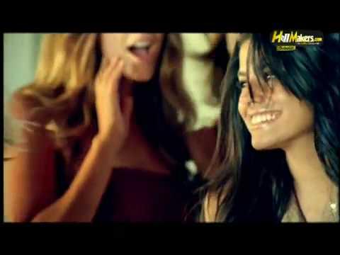 كليب عمرو دياب - انا بقدم قلبى 2010