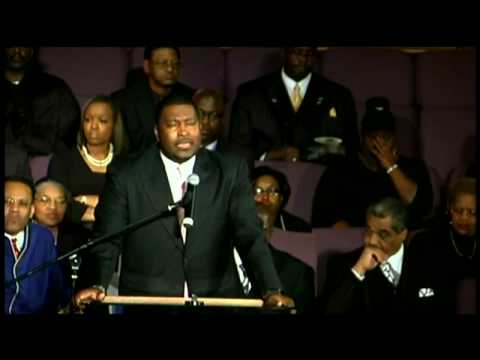 Rev. E. Dewey Smith, Jr. sings