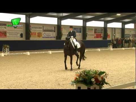 Lynne Maas - Salo Lichte tour KNHS Indoor Kampioenschap 2013