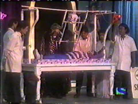 JADUGAR K LAL SAWING CUTTING A LADY IN HALF STAGE MAGIC ILLUSION