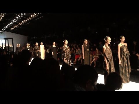 Oscar Lawalata & Mada van Gaans - The Ceremony of Java @ JFW 2015