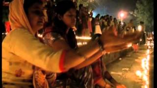 25 Oct, 2014 - Indians light over one lakh earthen lamps, pray for world peace - ANIINDIAFILE