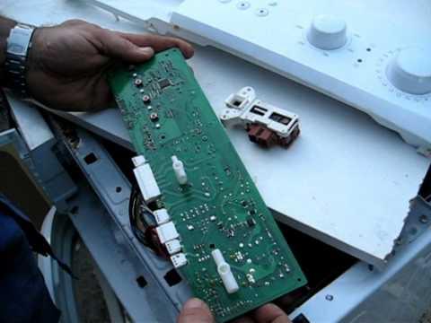 Reparación de lavadora electrónica Bluesky. Avería en placa. Triac quemado