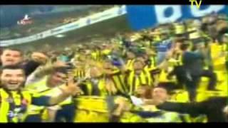 Fenerbahçe taraftarı-55.000 Fenerbahceli taraftar hep bir agizdan Binnaz