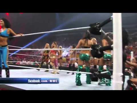 WWE Raw 7/18/11 Seven on Seven Divas Tag Match