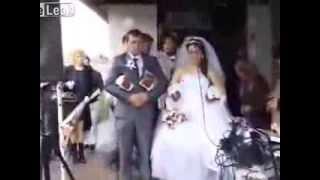 Hívatlan vendég az esküvőn