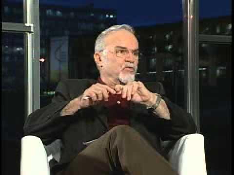 Roberto da Matta explica o Brasil - Carnavais, Malandros e Heróis (Bloco 1 de 3).
