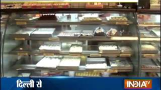 India tv exposes shopkeepers using adulteration in Diwali sweets - INDIATV