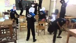 Harlem Shake SMK Negeri 1 Batumandi