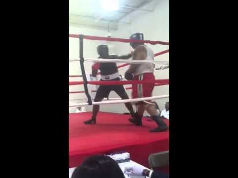 montez brown 1st amatuer fight