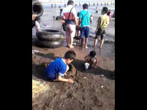 Adegan panas di pantai.mp4