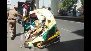 Ghaziabad: Five injured after a girder of Delhi Metro falls down in Mohan Nagar - ABPNEWSTV