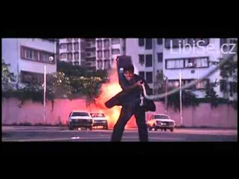 Proti indickým akčním scénám je Hollywood slabý odvar :D