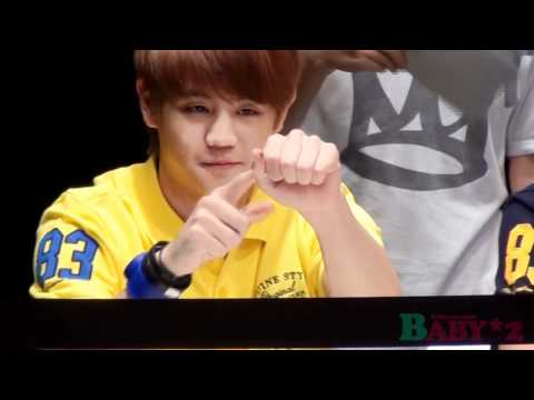 [FANCAM] 110615 Yoseob doing magic trick @ CLRIDEn Fansigning #1