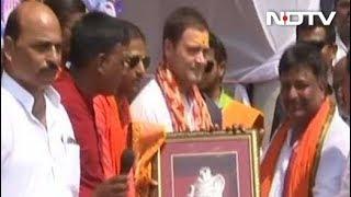 अमेठी में राहुल की शिवभक्ति, कांवड़ियों ने किया स्वागत - NDTVINDIA
