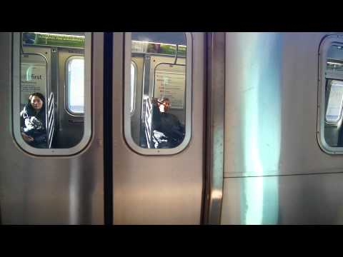 Mta New York City Subway's R160B Siemens Manhattan Bound N Train @ Bay Parkway Station