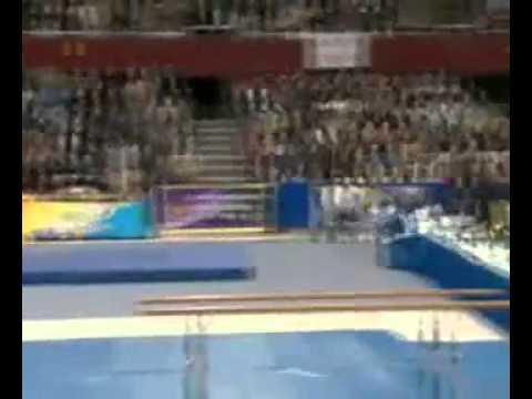 Вместо прыжка в высоту - полет на судей!