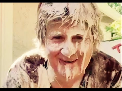2015 ALS Ice Bucket Challenge with a Bake To Defeat ALS Twist