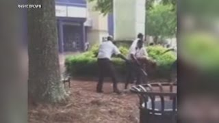 Video Captures Mall Security Guards Allegedly Beating Teen - ABCNEWS