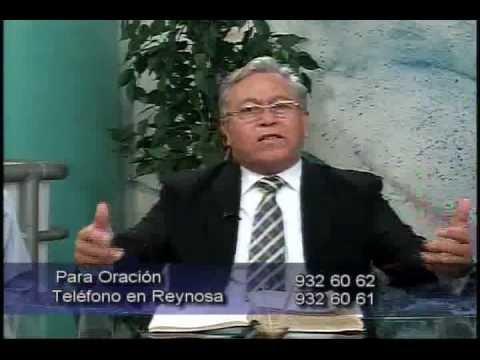 Pastor Salvador Leos en