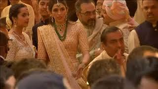 13 Dec, 2018 - Guests arrive for big, fat wedding of Mukesh Ambani's daughter in Mumbai - ANIINDIAFILE