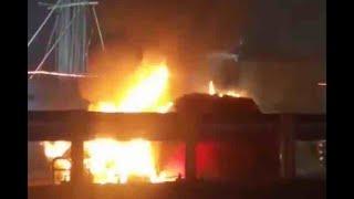 Mumbai: Car catches fire on Western Expressway Highway; nobody hurt - ABPNEWSTV