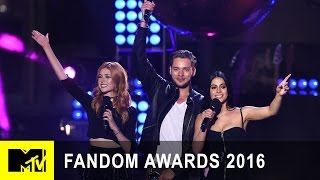 Shadowhunters Casts Accepts Best New Fandom | Fandom Awards 2016 | MTV - MTV