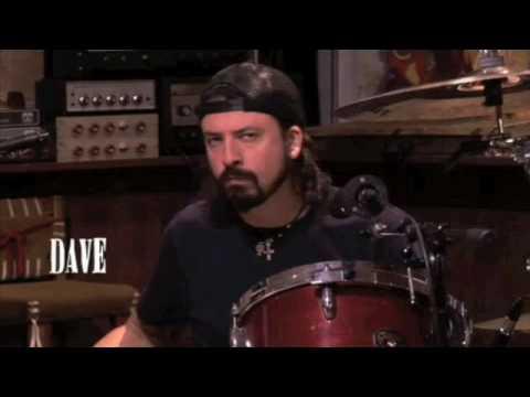 Koledzy Grohl'a z Them Crooked Vultures nagrali filmik pokazujący uzależnienie muzyka
