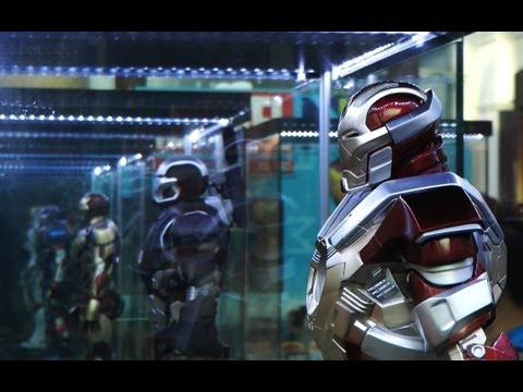 Iron Man 3 Showcase - Super Alloy Figures