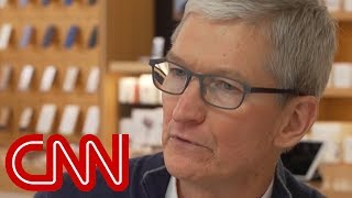 Tim Cook: Wanted to show kids it's ok to be gay - CNN