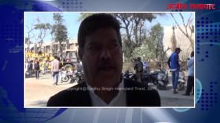 फिल्लौर (वीडियो) : खड़ी कार पर ट्राला पलटने से लड़की की मौत