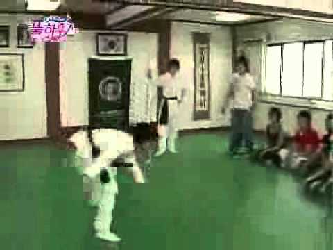 Lee Sungmin's awesome martial arts