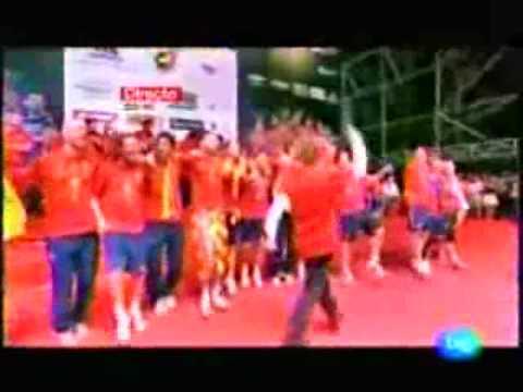 David Bisbal spania VM i 2010 feiringen fiesta knaan Wavin flagget live