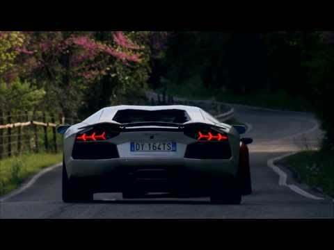 2012 Lamborghini Aventador LP700-4  (Aventador vs. Aventador)