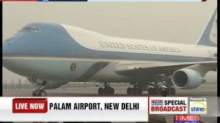 Air Force One touches down at Palam Airport - TIMESNOWONLINE